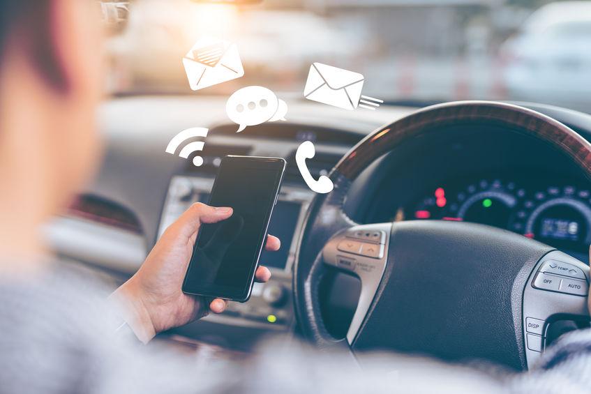 Dangers du téléphone au volant
